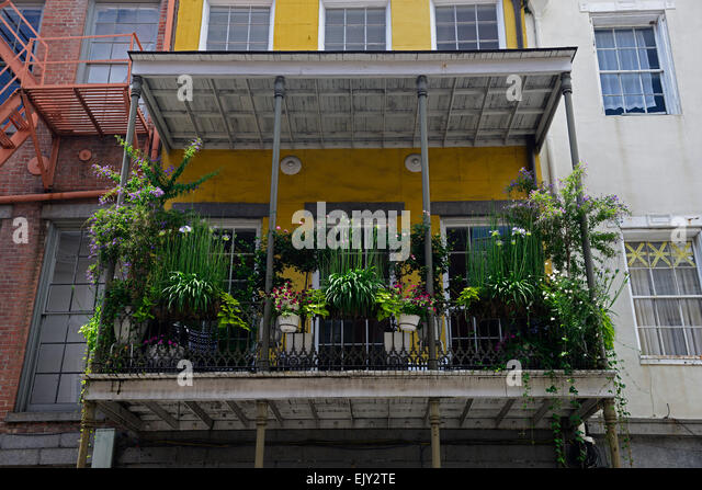 Balcony plants stock photos balcony plants stock images alamy - Flowers hanging baskets porches balconies ...