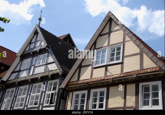 Holzskelettbauweise  Holzskelettbauweise Stock Photos & Holzskelettbauweise Stock ...