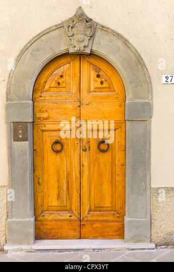 Traditional Tuscan doorway in Piazza Francesco Ferrucci in Radda-in-Chianti Tuscany & Traditional Italian Doors Stock Photos \u0026 Traditional Italian Doors ...