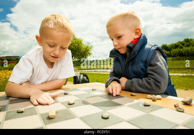 Draughts Game Move Stock Photos & Draughts Game Move Stock ...