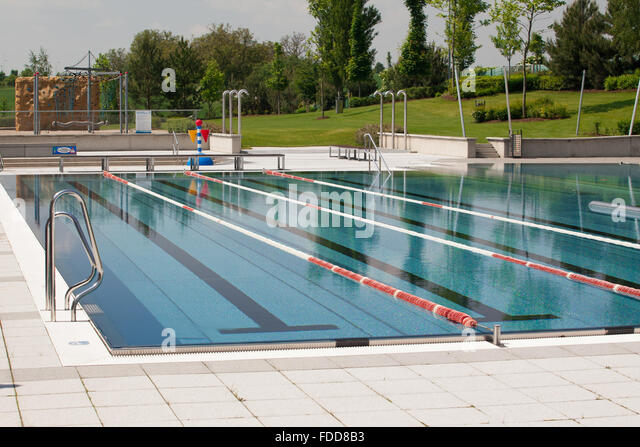 Swimming Pool Ladder Deep End Stock Photos Swimming Pool Ladder Deep End Stock Images Alamy