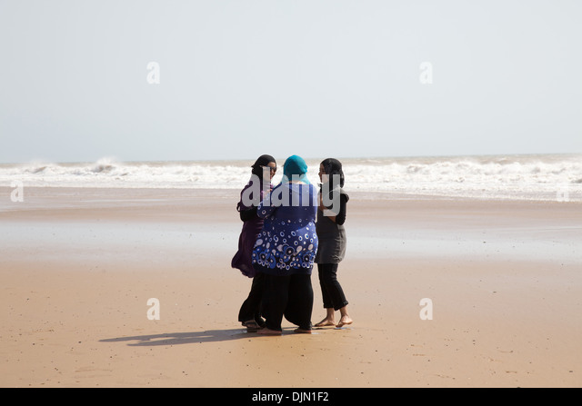 gleneden beach single muslim girls Gleneden beach, oregon gleneden beach is located 6 miles south of lincoln city and 6 miles north of depoe bay on the beautiful oregon coast, just off of highway 101 and immediately south of salishan lodge and golf course.