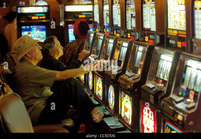 Calif august 19 stock photos calif august 19 stock for Fishing bob slot machine