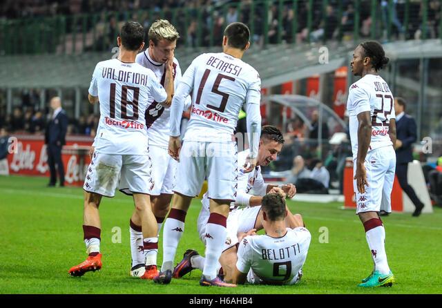https://l7.alamy.com/zooms/6b7f715a4bc34cf187386f1d2f517030/san-siro-milan-italy-26th-oct-2016-serie-a-football-inter-milan-versus-h6ahb4.jpg