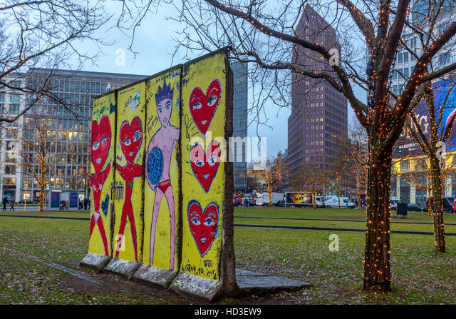 Berliner Platz 2 L Sungen berlin leipziger platz square stock photos berlin leipziger platz square stock images alamy