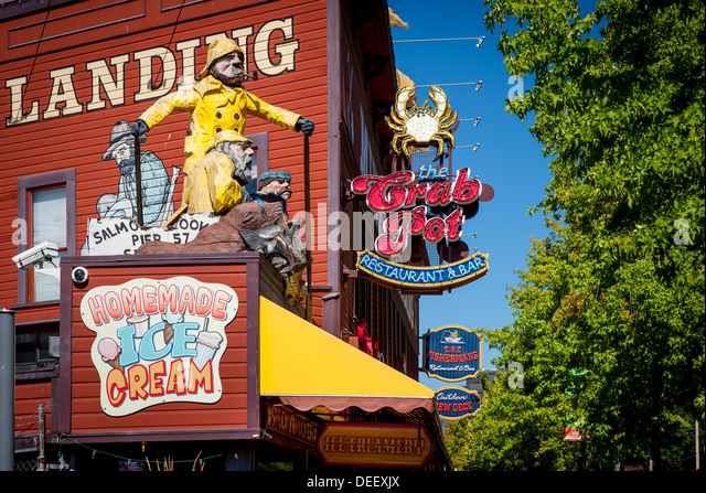 View Of Waterfront Shops And Restaurants, Seattle Washington, USA   Stock  Image