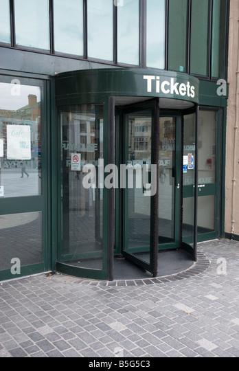 Rotating door at ticket office of Liverpool theatre - Stock Image & Rotating Door Stock Photos u0026 Rotating Door Stock Images - Alamy pezcame.com