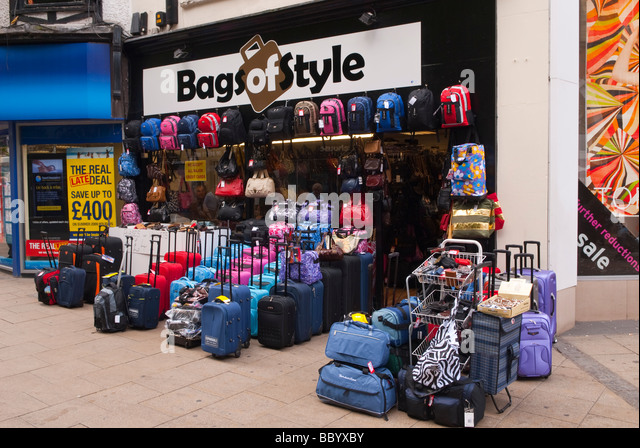 Suitcases For Sale Stock Photos & Suitcases For Sale Stock Images ...