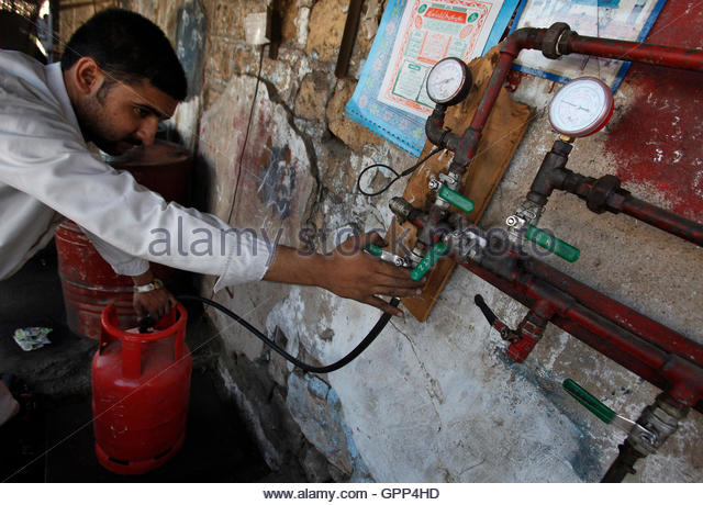 Lpg Gas Cylinder Stock Photos & Lpg Gas Cylinder Stock ...