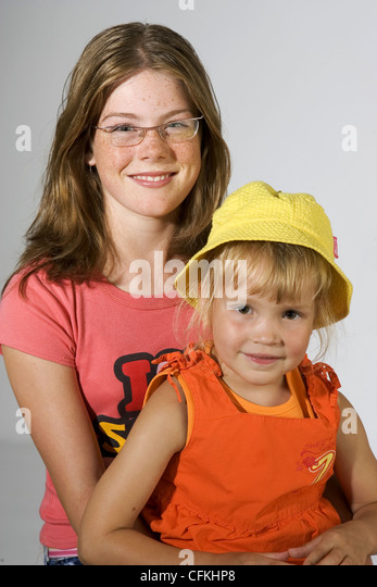 Babysitting Teen Stock Photos & Babysitting Teen Stock Images - Alamy
