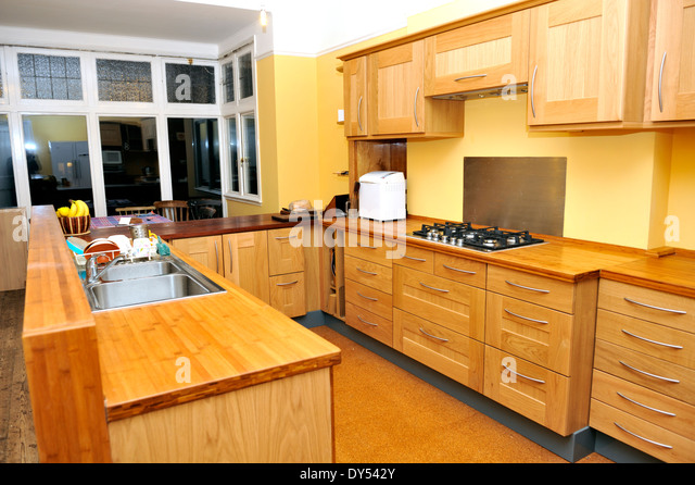 Oak kitchen units stock photos oak kitchen units stock for Ready made kitchen units