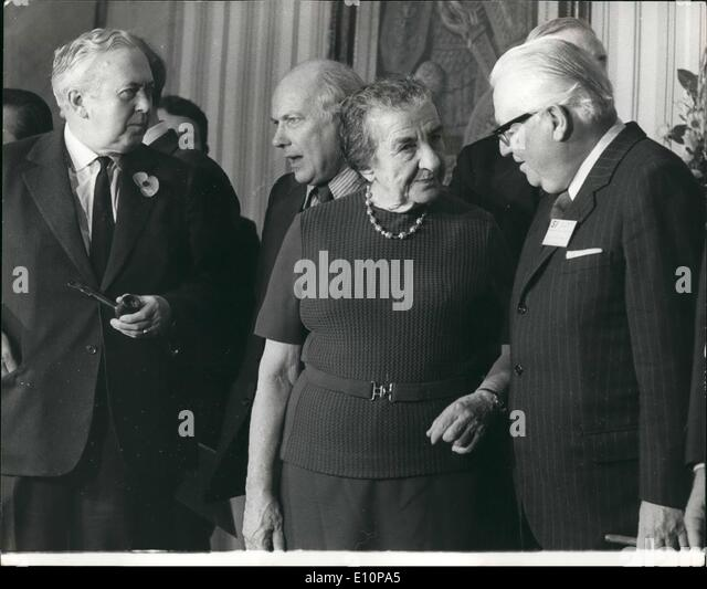 11 1973 mrs golda meir at socialist international conference mrs