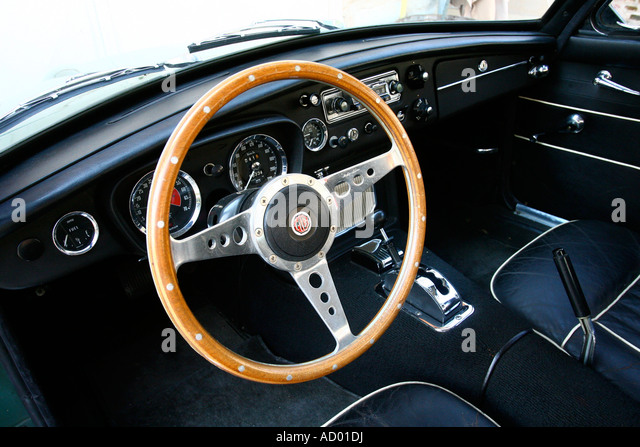 vintage mg sports car interior stock photos vintage mg sports car interior stock images alamy. Black Bedroom Furniture Sets. Home Design Ideas