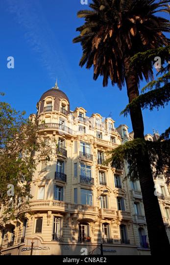 apartment building nice france stock photos & apartment building
