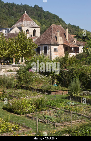 Sens france stock photos sens france stock images alamy for Le jardin des sens