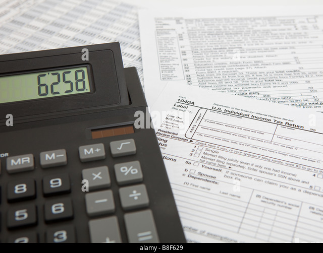 Blank 1040 stock photos blank 1040 stock images alamy for 1040 tax table calculator