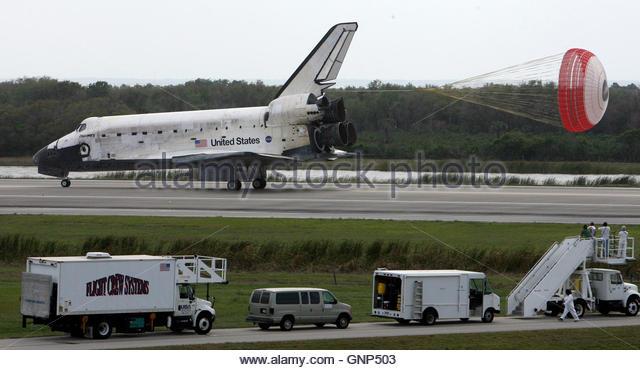 during a space shuttle landing a parachute deploys - photo #47