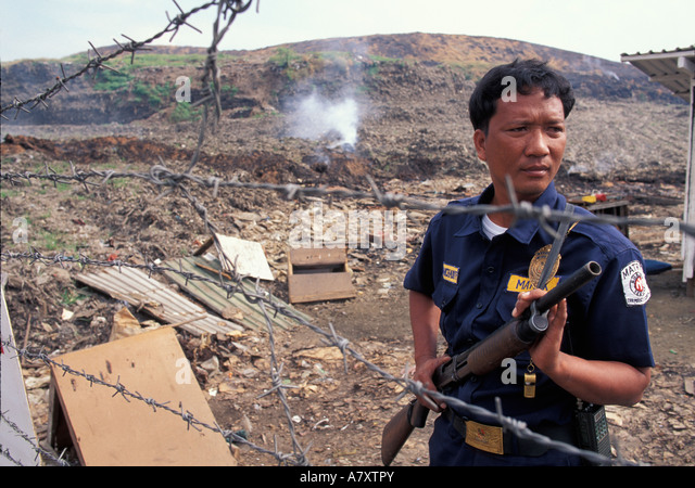 a research on the smokey mountain garbage dump in the philippines Shamed by international coverage of the 20,000 desperate people eking out a living there, the manila government bulldozed smokey mountain in 1995 and moved some scavengers into public housing.