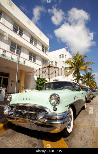 vintage cars and south beach stock photos vintage cars and south beach stock images alamy. Black Bedroom Furniture Sets. Home Design Ideas