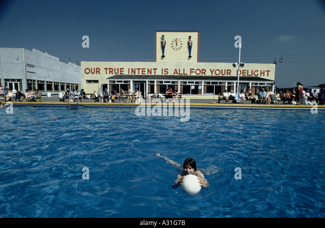 Holiday camp butlins stock photos holiday camp butlins stock images alamy for Bognor regis butlins swimming pool