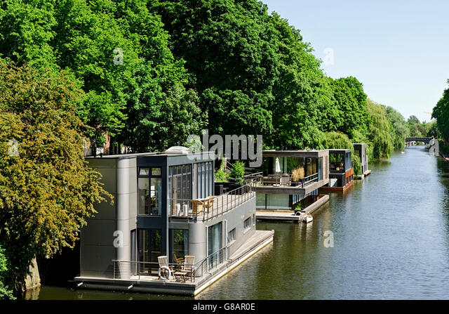 Modern Houseboats Stock Photos Amp Modern Houseboats Stock Images Alamy