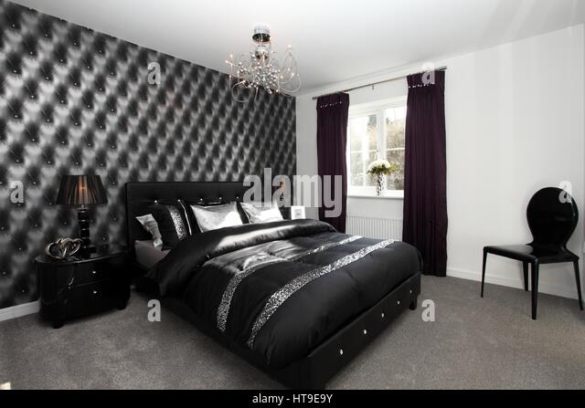 Quilted Headboard Stock Photos & Quilted Headboard Stock Images ...