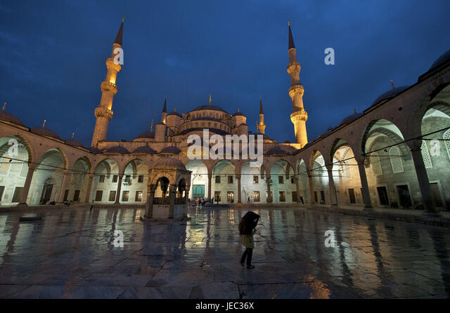 Turkey, Istanbul, sultan's Ahmed's mosque, blue mosque at night in the rain, - Stock Image