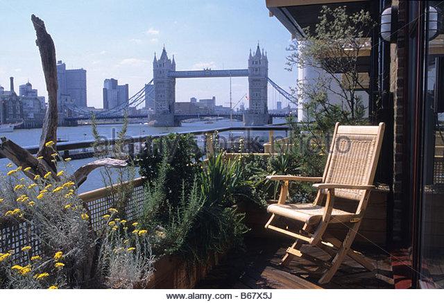 Overlooking Balcony London Stock Photos Overlooking Balcony
