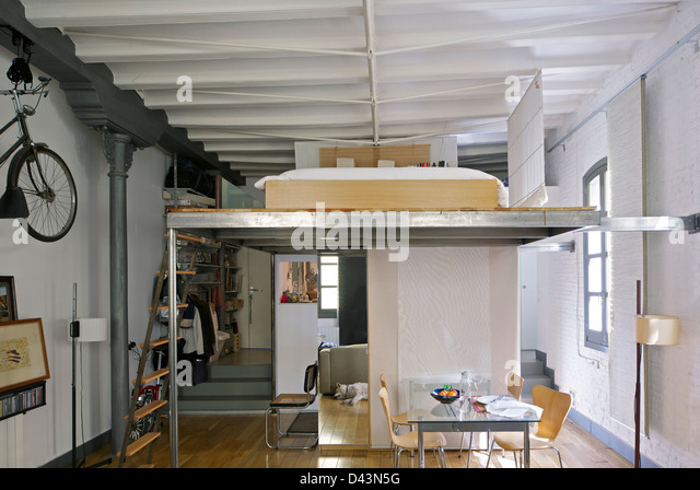 Arola barcelona stock photos arola barcelona stock images alamy - Mezzanine bedlamp ...