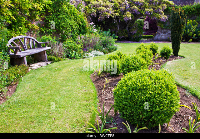 Round Flower Bed Stock Photos Round Flower Bed Stock