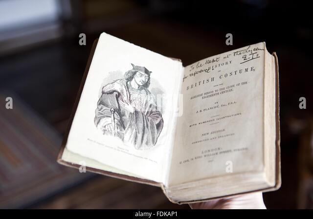 english essayist 17 century