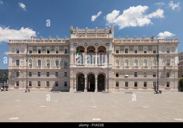 Palazzo del governo stock photos palazzo del governo for Piazza del friuli