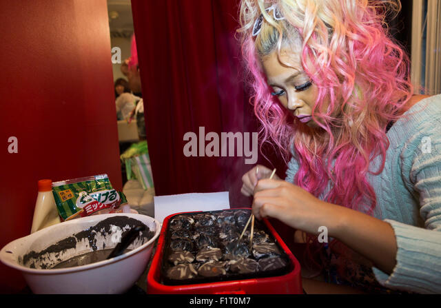 Ganguro stock photos ganguro stock images alamy for Food bar 1480