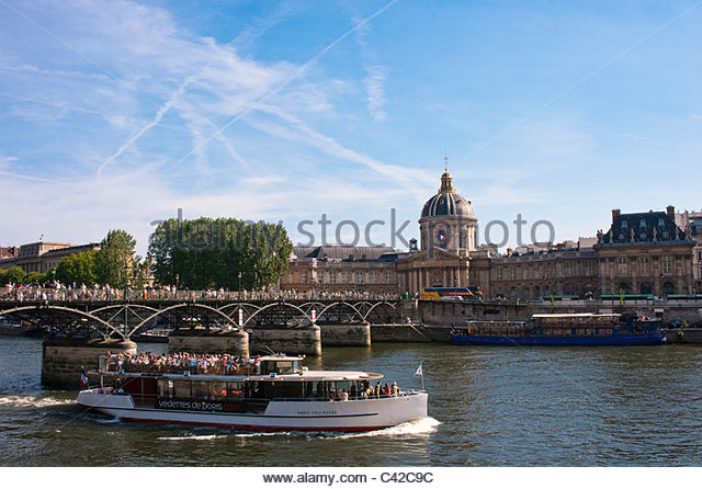 bateaux mouches stock photos bateaux mouches stock images alamy. Black Bedroom Furniture Sets. Home Design Ideas