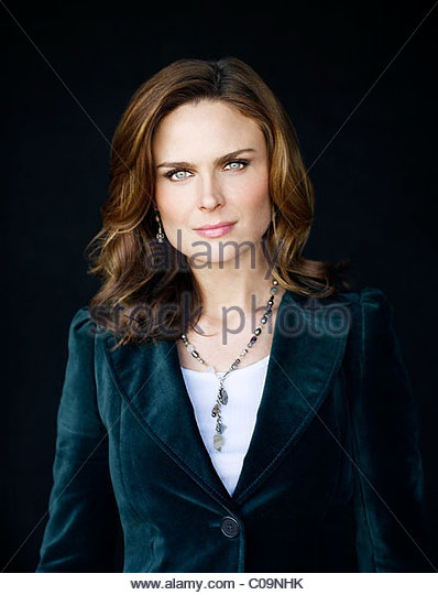 Emily Deschanel Bones Stock Photos & Emily Deschanel Bones ...