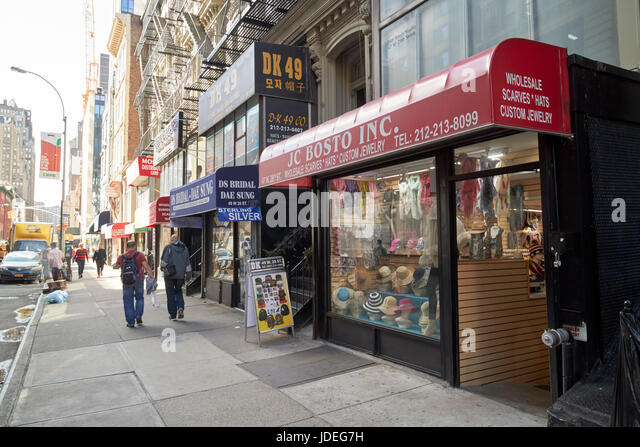 Jewelry stores stock photos jewelry stores stock images for Jewelry stores in new york ny