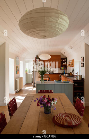 Cottage uk kitchen stock photos cottage uk kitchen stock for Arts and crafts kitchen table