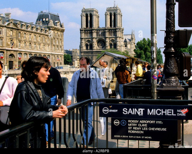 Saint michel metro stock photos saint michel metro stock - Metro saint michel paris ...