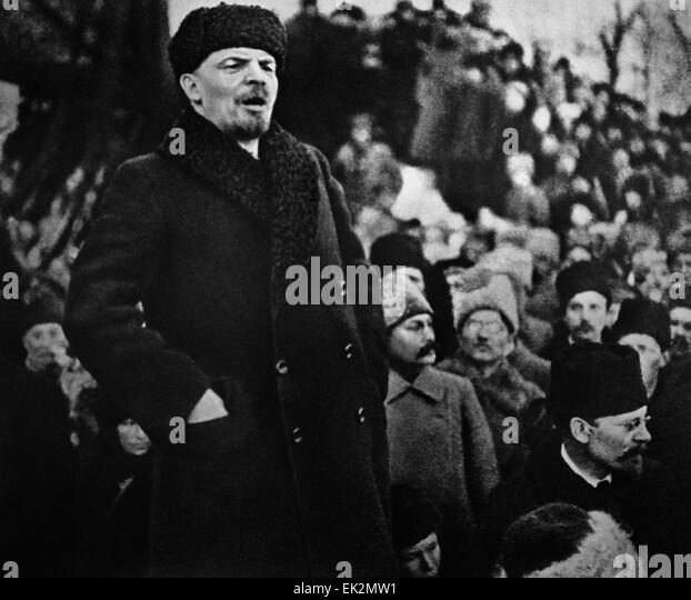 Moscow Vladimir Lenin Delivers Speech At The Funeral Of Yakov Sverdlov Stock Photos Images Alamy