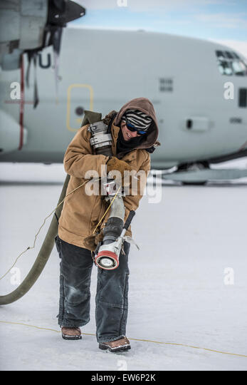 mcmurdo station cougar women 13022016 meet the all-woman team heading to antarctica this year  join men who'd been working at mcmurdo station for  women for-women crew.