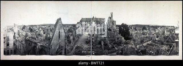 amiens-france-europe-1919-world-war-i-ww1-destroyed-town-ruins-historical-bwtt21.jpg