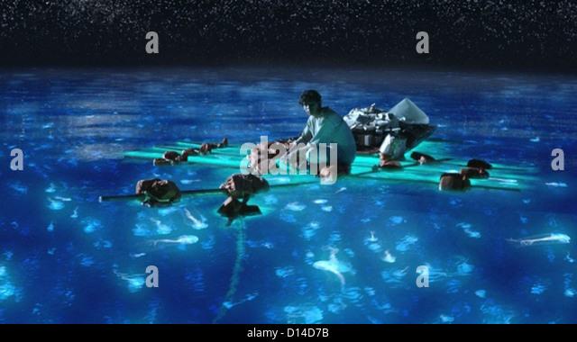 life of pi film stock photos life of pi film stock images alamy life of pi 2012 suraj sharma ang lee dir 003 moviestore