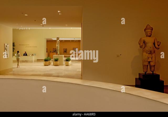 Foyer Museum Usa : Norton simon museum stock photos