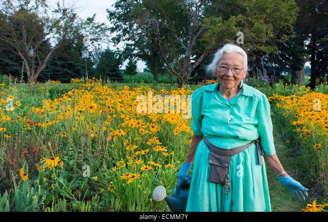 Amish Woman Stock Photos Amp Amish Woman Stock Images Alamy