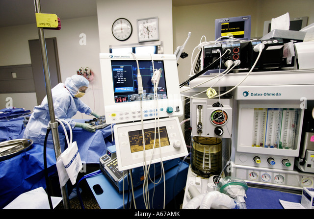 Anesthesiologist Stock Photos & Anesthesiologist Stock ...