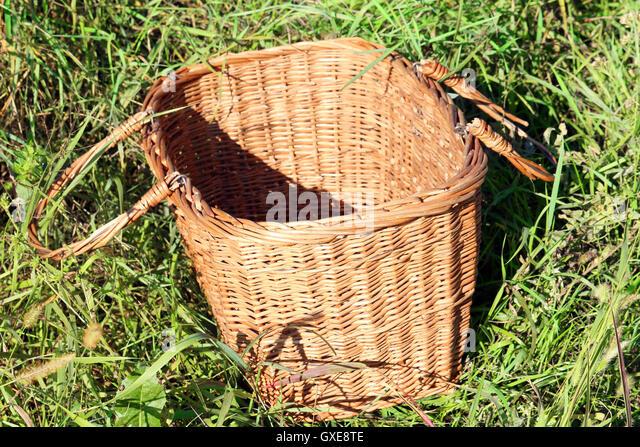 Picnic Basket Jakarta : Piknik stock photos images alamy