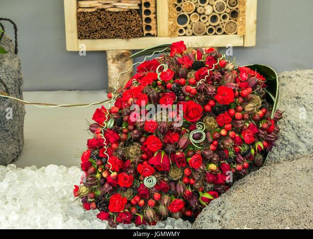 Giant Flower Arrangement Stock Photos & Giant Flower Arrangement ...