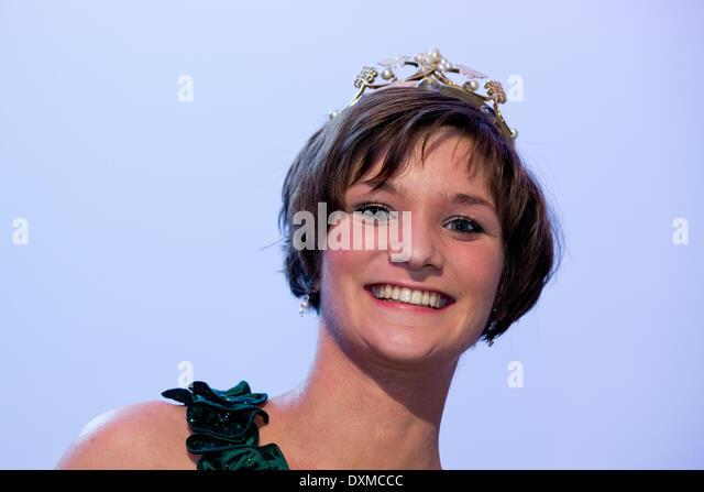 Queen Christin nude 833