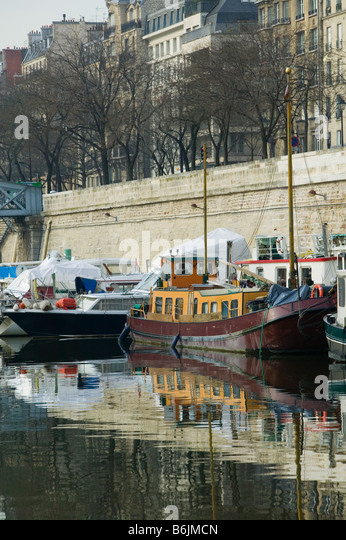 Port arsenal paris stock photos port arsenal paris stock - Liste des ports de plaisance en france ...