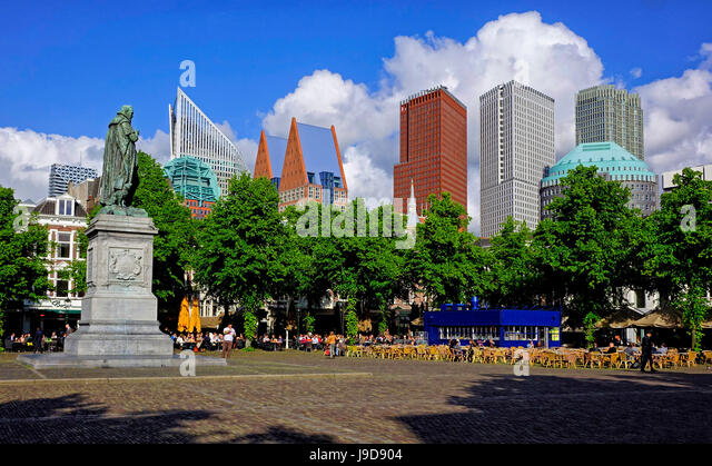 Statue of William of Orange on Plein Square in The Hague, South Holland, Netherlands, Europe - Stock Image